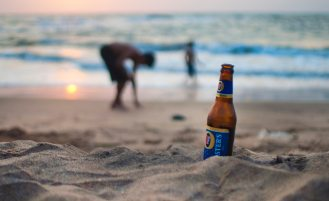 alcoholic-beverage-beach-beer-611315